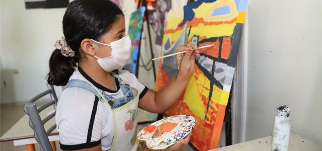 Akdeniz Belediyesi'nden Çocuklara Sanat Aşkı