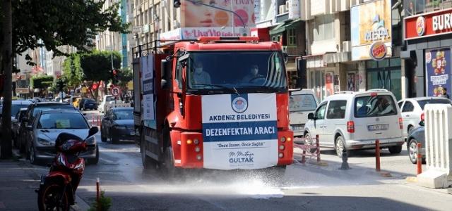 Akdeniz'de Cadde Ve Sokaklar Da Koronavirüse Karşı Dezenfekte Ediliyor