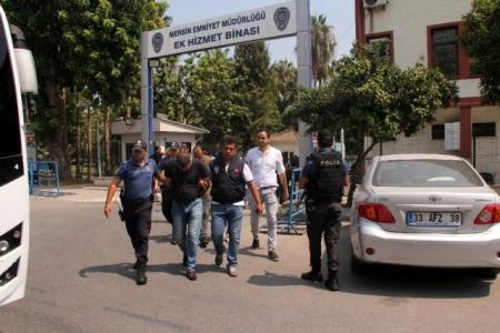 Mersin'de,Iraklı iş adamına şantaj yapan çete çökertildi.